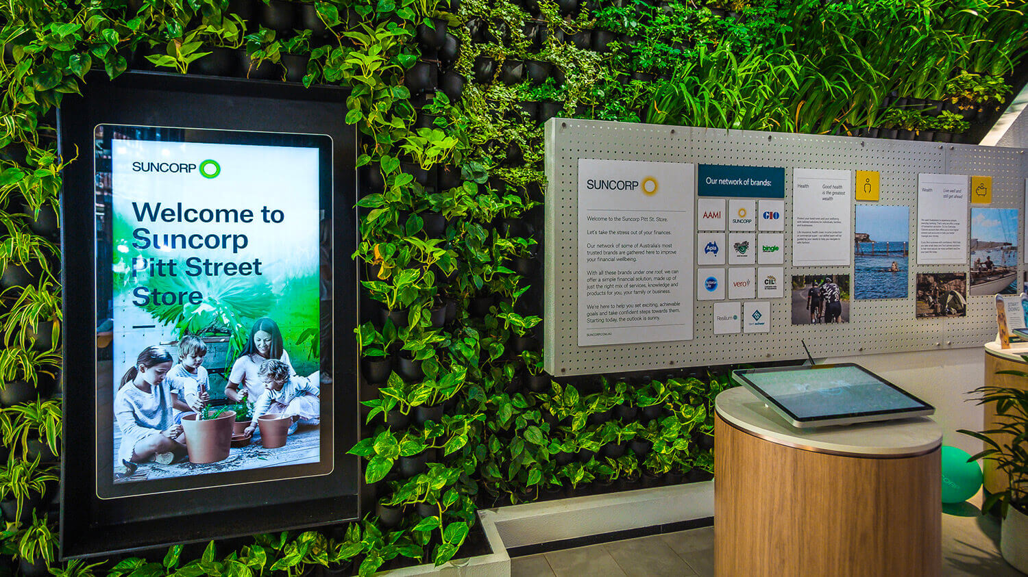 Digital-Signage-Suncorp-Bank-Australia